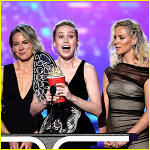 Brie Larson Brings Her Stunt Doubles to Accept Best Fight at MTV Movie & TV Awards 2019 - Watch!