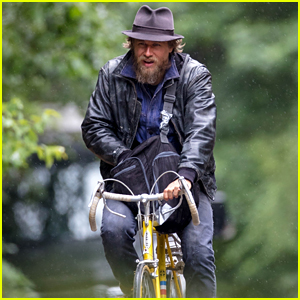 Charlie Hunnam Starts Filming His New Movie 'Waldo'!