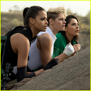 'Charlie's Angels' Trailer Debuts with New Ariana Grande, Miley Cyrus & Lana Del Rey Song - Watch Now!