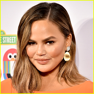 Chrissy Teigen Has Ultimate Clap Back to Troll Commenting on Luna's Appearance