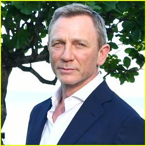 Daniel Craig Returns to Gym After Undergoing Surgery for 'Bond' Set Injury