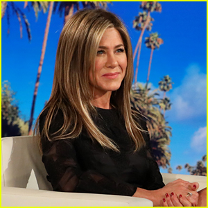 Jennifer Aniston Would Do a 'Friends' Reunion & Thinks Her Co-Stars Would Too!
