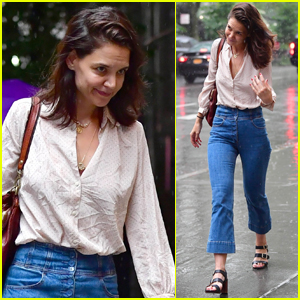 Katie Holmes Gets Caught in the Rain in NYC
