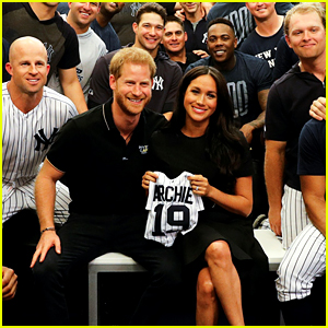 Meghan Markle & Prince Harry Attend First Ever MLB Game in London!