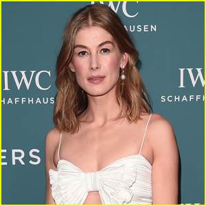 Rosamund Pike Joins the Cast of 'Wheel of Time' Amazon Series