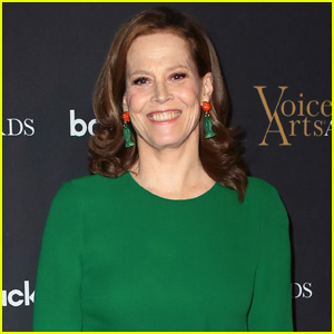 Sigourney Weaver Reveals Who's Returning For Upcoming 'Ghostbusters' Film