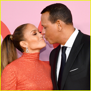 Alex Rodriguez Comforts Crying Jennifer Lopez After 'Tough' Concert (VIDEO)