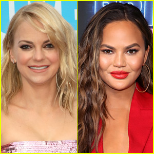 Anna Faris Asks Chrissy Teigen If They Can Be Friends in Her Instagram Comments!
