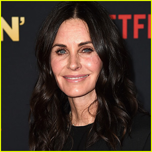 Courteney Cox to Executive Produce & Star in 'Last Chance U' Series