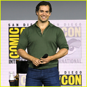 Henry Cavill Joins 'The Witcher' Cast at Comic-Con 2019!