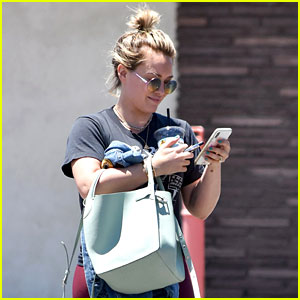 Hilary Duff Shares Cute Family Photo With Matthew Koma & Kids