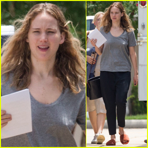 Jennifer Lawrence Goes Makeup-Free on Set of New Movie!