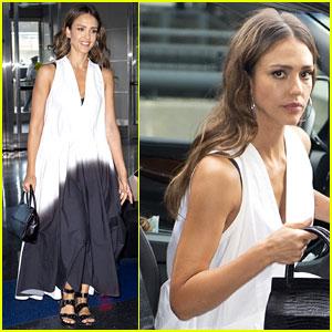 Jessica Alba Dons Flowy Black & White Dress for Her Flight