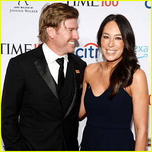 Fixer Upper's Joanna Gaines Uses FaceApp Filter on Son Crew!