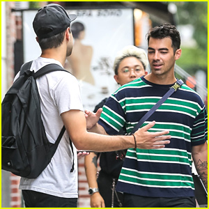 Joe Jonas Meets Up With a Pal in NYC