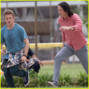 Keanu Reeves Films 'Bill & Ted' Scene with Alex Winter