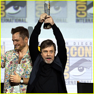 Mark Hamill Honored with Icon Award During Comic-Con Panel