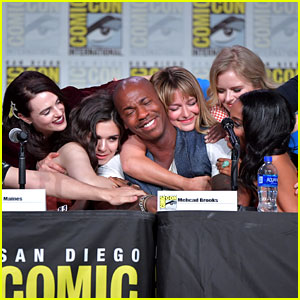 'Supergirl' Cast Has a Moment at Comic-Con, Reveal New Suit & Characters