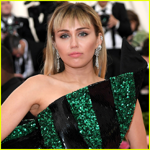 Miley Cyrus Mourns Death of Pet Pig Bubba Sue
