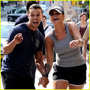 Miranda Lambert & Husband Brendan McLoughlin Get Playful with the NYC Paparazzi!