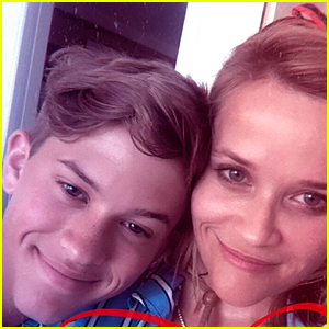 Reese Witherspoon Jumps Off Boat With Son Deacon on Fourth of July! (Video)