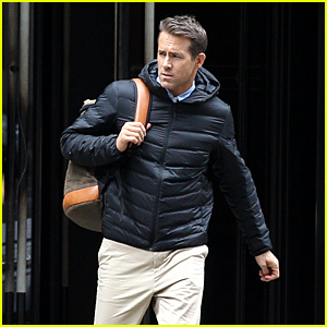 Ryan Reynolds Heads Out to Film 'Free Guy' in Rainy Boston