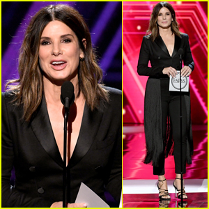 Sandra Bullock Calls for Equal Pay for U.S. Women's Soccer Team at ESPYS 2019