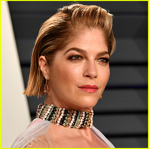 Selma Blair Shaves Her Head, Gives Update on Her MS Treatment Progress