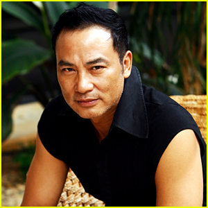 'Tomb Raider' Actor Simon Yam Stabbed On Stage in China