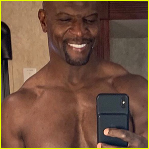 Terry Crews Celebrates 51st Birthday With a Hot Shirtless Selfie!