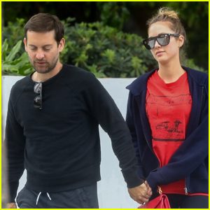 Tobey Maguire & Girlfriend Tatiana Dieteman Hold Hands While Grabbing Coffee