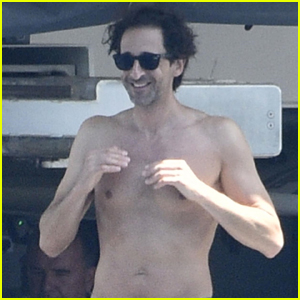Adrien Brody Goes Shirtless While Vacationing in Italy!