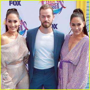 Artem Chigvintsev Joins Nikki & Brie Bella at Teen Choice Awards 2019!