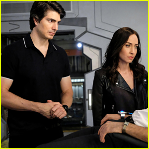 'Legends of Tomorrow' Will Lose Brandon Routh & Courtney Ford in Season 5