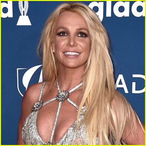 Britney Spears Debuts New Brunette Hairstyle!