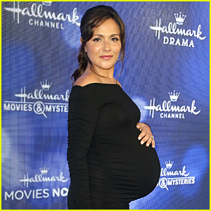 Italia Ricci Reveals How Much Weight She's Gained During Pregnancy