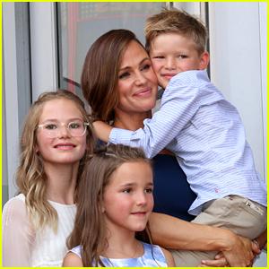 Jennifer Garner Explains Why She Keeps Her Children Out of the Public Eye