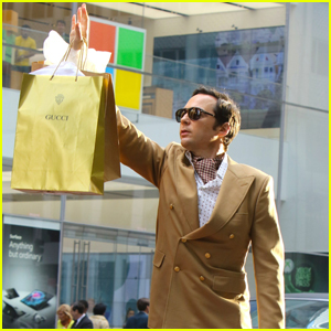 Jim Parsons Films a Shopping Scene for 'The Boys in the Band' Movie