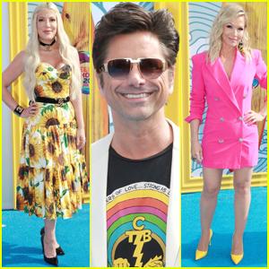 John Stamos, Tori Spelling, & Jennie Garth Attend Teen Choice Awards 2019