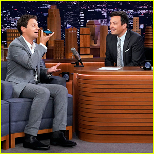 Jonathan Groff Records a 'Frozen' Duet Voice Memo by Himself on 'Tonight Show' - Watch Here!