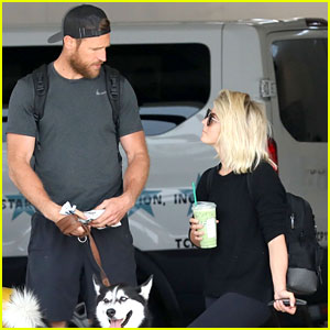 Julianne Hough & Husband Brooks Laich Arrive at LAX With Their Dogs
