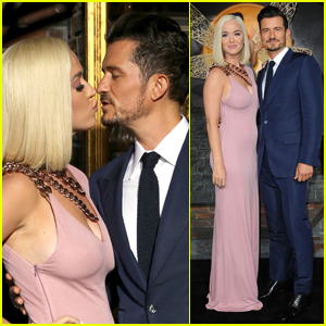 Katy Perry & Orlando Bloom Share a Kiss at 'Carnival Row' Premiere!