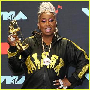 Missy Elliott Accepts Video Vanguard Award at MTV VMAs 2019 - Watch!
