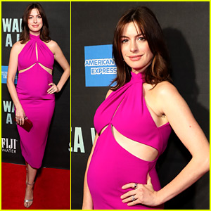 Pregnant Anne Hathaway Debuts Baby Bump at Broadway Opening