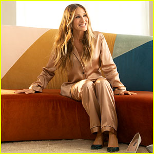 Sarah Jessica Parker Turns Putting on a Bra Into a Dance for Intimissimi's Fall Campaign (Video)