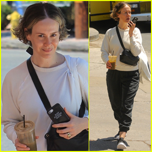 Sarah Paulson Steps Out to Do Some Shopping in Hollywood