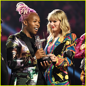 Taylor Swift Wins Video of the Year, Uses Speech to Promote Equality Act Petition