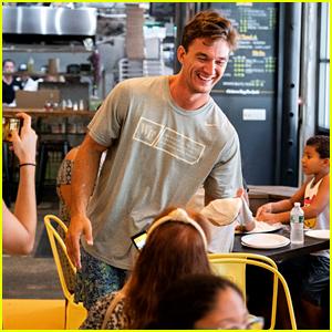 'Bachelorette' Star Tyler Cameron Tosses Pizza Dough for Kids in Brooklyn!