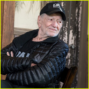 Willie Nelson Cancels Tour Because of 'Breathing Problem'