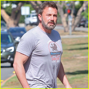 Ben Affleck Looks Buff While Running Errands in Brentwood!